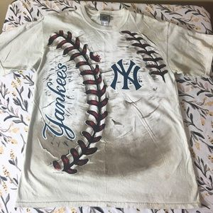 ⚾️ New York Yankees men's shirt